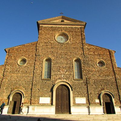 entrata-chiesa-faenza
